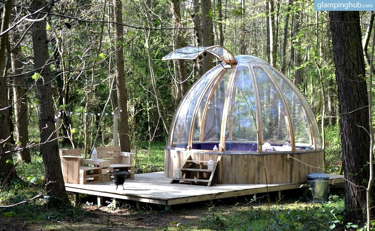 luxury-pet-friendly-domes-in-yorkshire